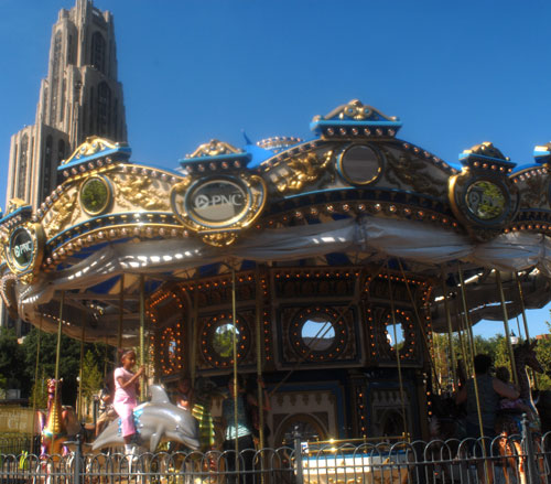 Lighthouse Electric| Schenley Plaza | PNC Carousel